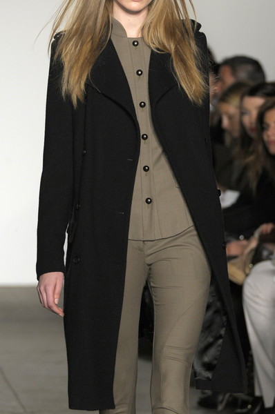 Ohne Titel at New York Fall 2010 (Details)