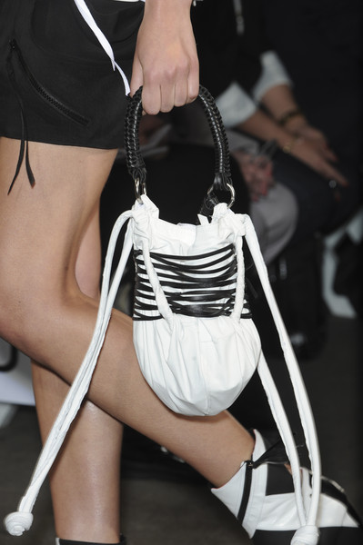 Ohne Titel at New York Spring 2011 (Details)