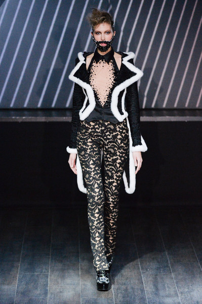 On Aura Tout Vu at Couture Spring 2015