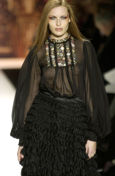 Oscar de la Renta at New York Fall 2002