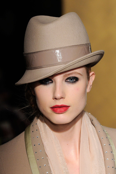 Paola Frani at Milan Fall 2012 (Details)