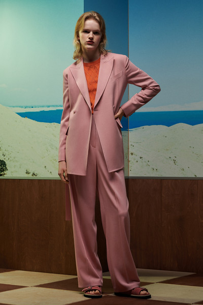 Paul Smith at Paris Spring 2021 [suit,clothing,pantsuit,formal wear,fashion,outerwear,photography,fashion design,pajamas,blazer,fashion accessory,dress,outerwear,paul smith,fashion,clothing,spring,wear,photography,paris fashion week,paul smith,ready-to-wear,clothing,fashion,fashion accessory,dress,spring]