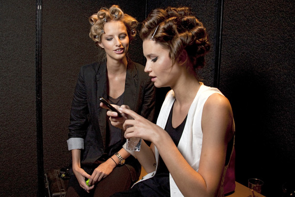 Pin Up Stars at Milan Spring 2010 (Backstage)