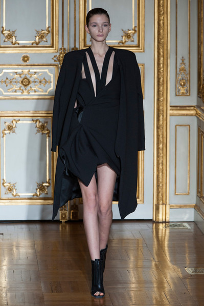 RAD by Rad Hourani at Couture Spring 2014 [couture spring 2014,fashion model,fashion,clothing,haute couture,formal wear,fashion show,dress,runway,footwear,leg,supermodel,rad hourani,rad,fashion,runway,haute couture,fashion week,model,fashion show,runway,fashion week,fashion,paris fashion week,fashion show,haute couture,model,supermodel,litex \u0161aty d\u00e1msk\u00e9 s k\u0159id\u00e9lkov\u00fdm ruk\u00e1vem. 90304901 \u010dern\u00e1 m,milan]