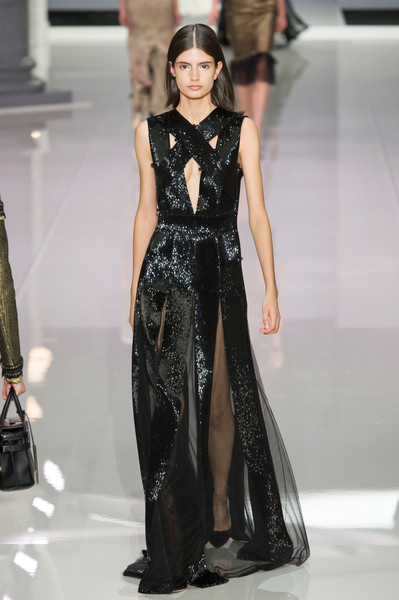 Ralph & Russo at London Spring 2018 [fashion model,fashion,clothing,runway,fashion show,dress,haute couture,gown,formal wear,event,dress,tamara ralph,runway,fashion,haute couture,clothing,fashion week,ralph russo,london fashion week,fashion show,tamara ralph,runway,ralph russo,fashion show,haute couture,fashion,fashion week,ready-to-wear,clothing,model]
