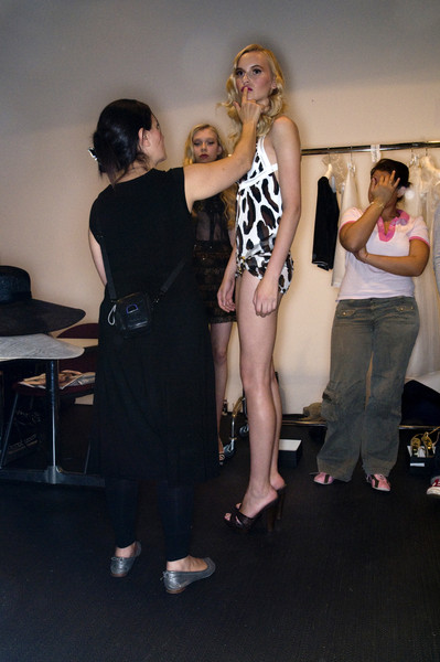 Roccobarocco at Milan Spring 2009 (Backstage)