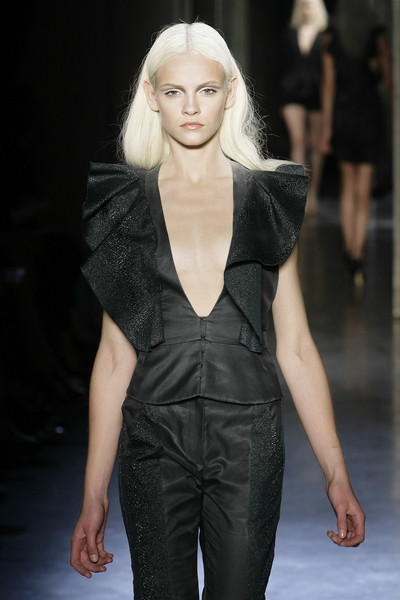 Rue du Mail at Paris Spring 2010