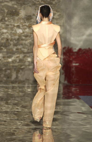 Seredin & Vasiliev at Couture Spring 2002 [couture spring 2002,fashion model,fashion,runway,fashion show,clothing,haute couture,neck,shoulder,beige,summer,supermodel,fashion,seredin,haute couture,runway,model,fashion model,vasiliev,fashion show,runway,fashion show,model,supermodel,fashion,haute couture]