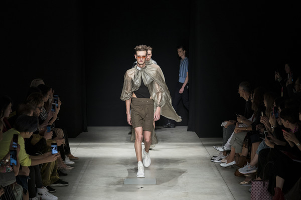 Sino-Italian Fashion Town By Chic Group Presents Susan Fang And Nomoretouch at Milan Spring 2020