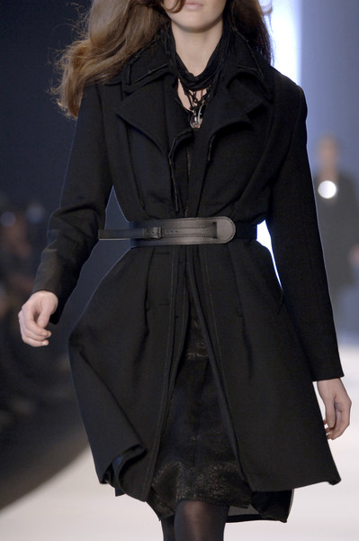 Sophia Kokosalaki at Paris Fall 2006 (Details)