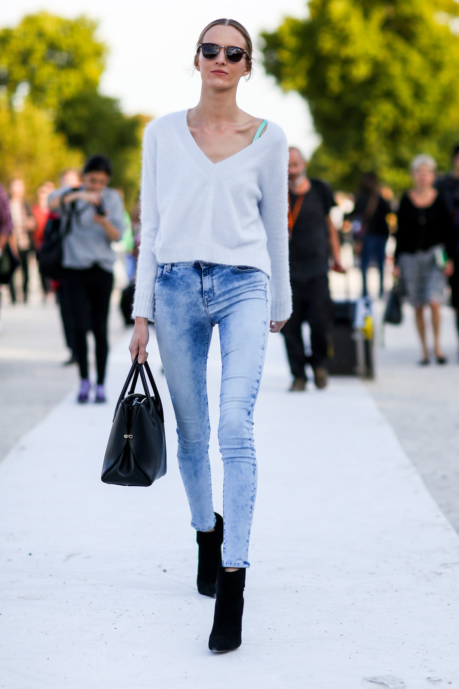 Cropped Sweater Best Street Style From Paris Fashion Week Spring 2015 Livingly