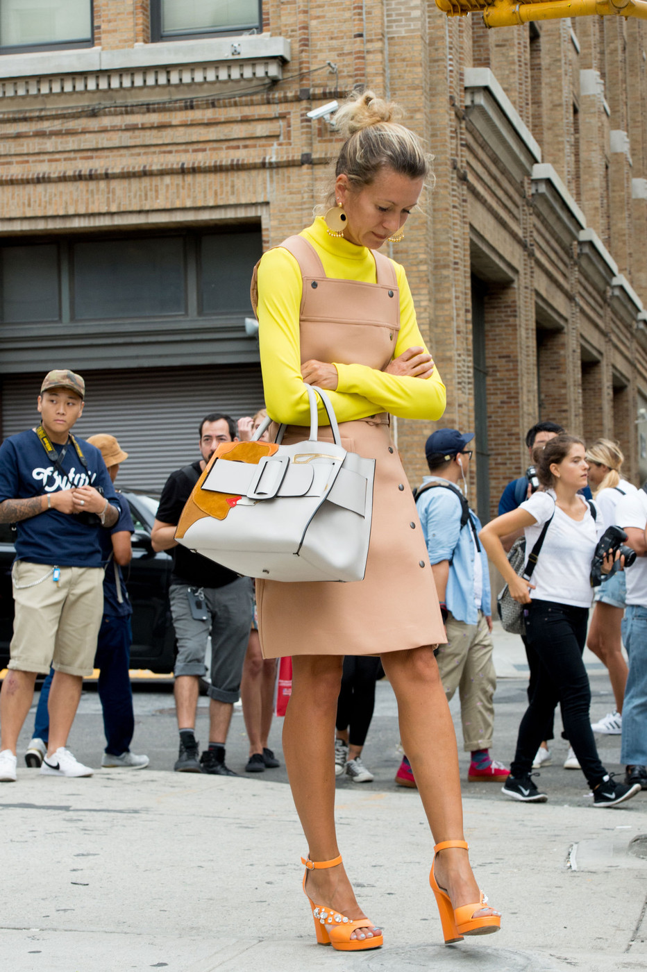 Citrus Hues The Best Street Style At New York Fashion Week Spring 2016 Livingly