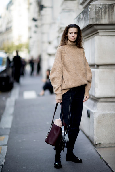 Oversized Sweater , The Best Outfits Worn to Paris Fashion