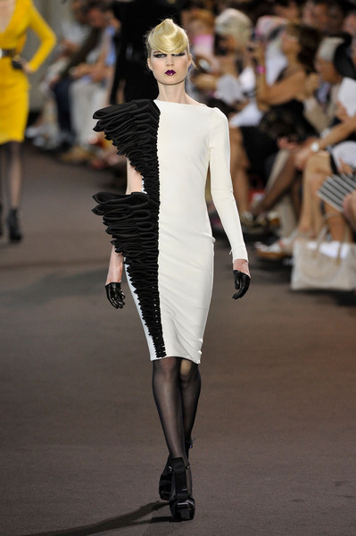 Stéphane Rolland at Couture Fall 2011