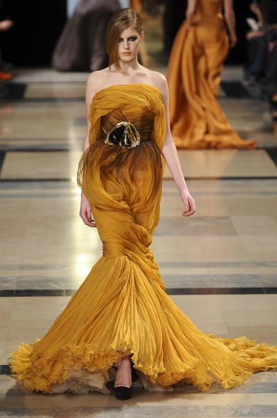 Stéphane Rolland at Couture Spring 2011 [fashion model,fashion,haute couture,clothing,dress,fashion show,yellow,gown,runway,event,stephane rolland,supermodel,haute couture,fashion,runway,model,fashion week,fashion design,couture spring 2011,fashion show,st\u00e9phane rolland,haute couture,fashion,fashion design,runway,milan fashion week,fashion show,model,supermodel,fashion week]