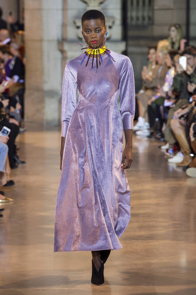 Talbot Runhof at Paris Fall 2019 [fashion,fashion model,fashion show,runway,haute couture,fashion design,event,outerwear,dress,fashion,runway,haute couture,fashion week,clothing,belt,talbot runhof,talbot runhof,paris fashion week,fashion show,fashion show,paris fashion week,runway,fashion,clothing,satin,fashion week,haute couture,talbot runhof,belt]