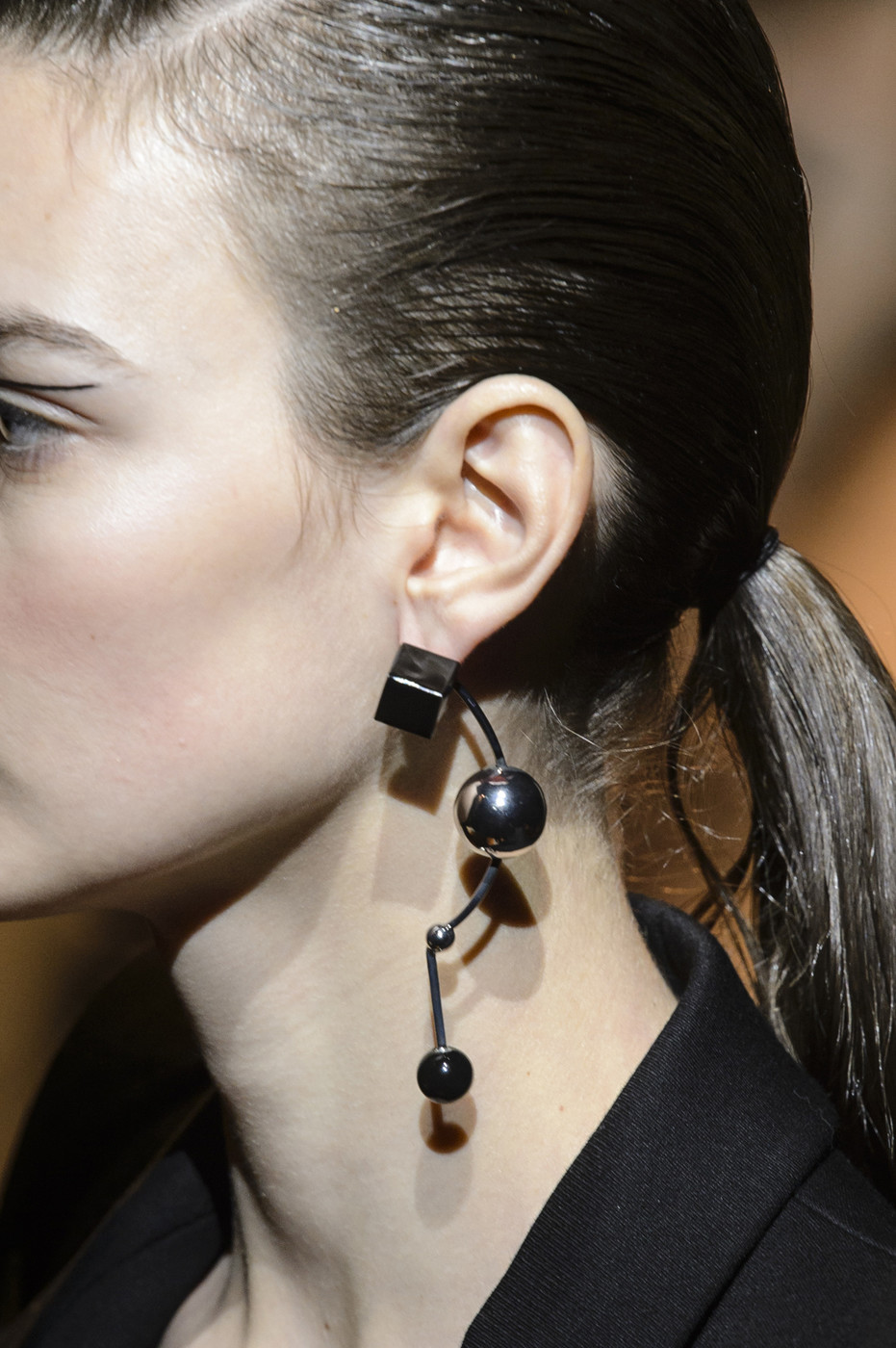 Check Out The Bizarre Earrings In Mugler's Pre-Fall 2013Collection images