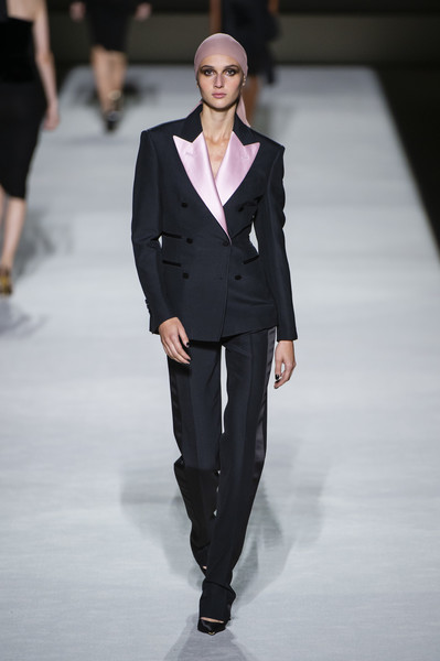 Tom Ford at New York Spring 2019 [fashion,fashion model,fashion show,runway,suit,clothing,formal wear,pantsuit,outerwear,human,tom ford,stella mccartney,fashion,runway,fashion week,model,suit,new york fashion week,fashion show,paris fashion week,stella mccartney,paris fashion week,new york fashion week,runway,ready-to-wear,fashion,fashion week,model,vogue,fashion show]