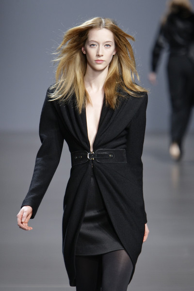 Valentin Yudashkin at Paris Fall 2010