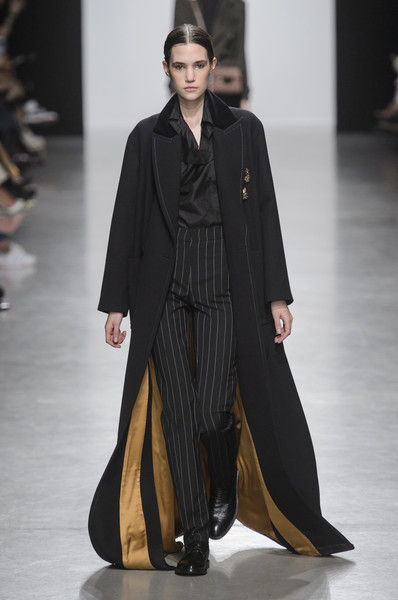 Valentin Yudashkin at Paris Fall 2017