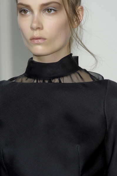 Valentino at Couture Fall 2010 (Details)