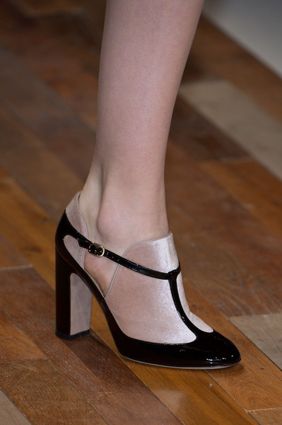 Valentino at Paris Fall 2013 (Details)