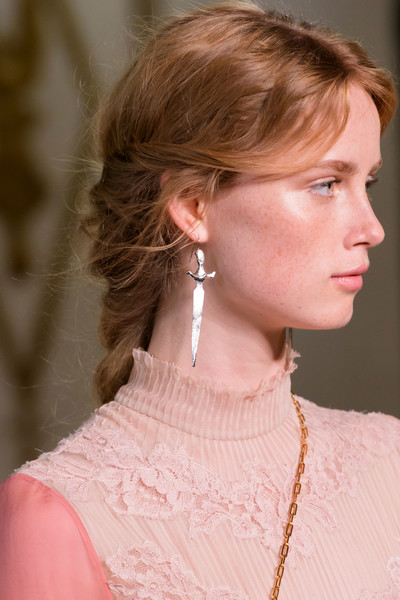 Valentino at Paris Spring 2017 (Details) [image,hair,hairstyle,neck,chin,beauty,fashion,lip,ear,blond,brown hair,valentino,fashion,hairstyle,hair,spring,runway,lip,paris fashion week,fashion show,rianne van rompaey,fashion,spring,hairstyle,valentino,image,runway,fashion show]