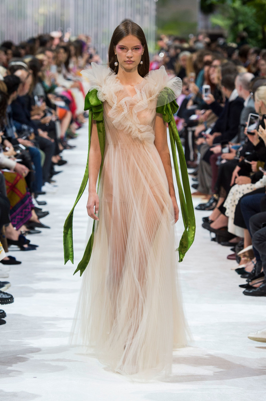 Valentino spring 2018 the most beautiful runway gowns for Runway fashion show video
