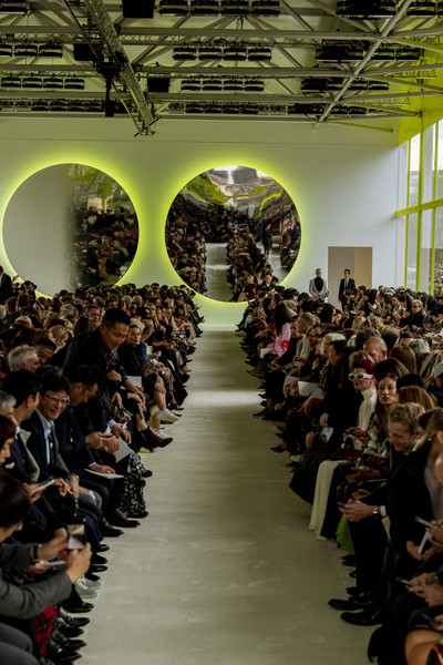 Valentino at Paris Spring 2020 [dimanche,runway,fashion,people,audience,event,crowd,fashion show,aisle,fashion design,auditorium,valentino,pierpaolo piccioli,crowd,runway,fashion,auditorium,paris fashion week,fashion show,event,pierpaolo piccioli,runway,paris fashion week,valentino,fashion show,ready-to-wear,fashion,dimanche,fashion week]