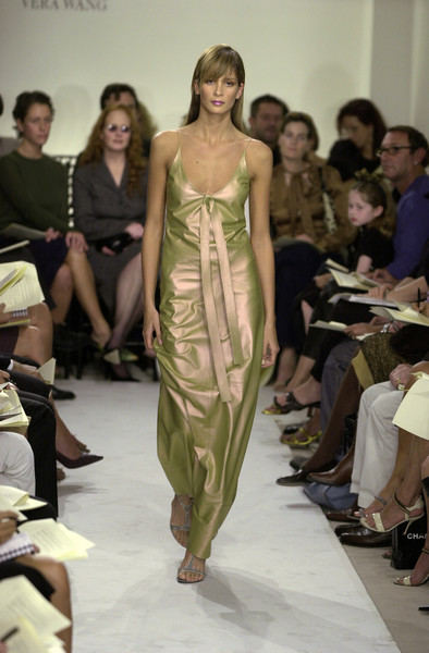 Vera Wang at New York Spring 2001