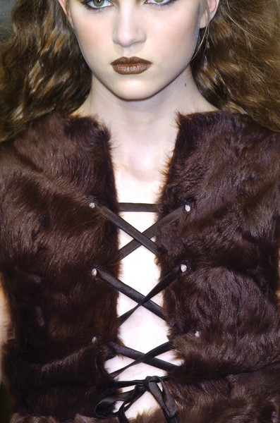 Véronique Leroy at Paris Fall 2005 (Details)