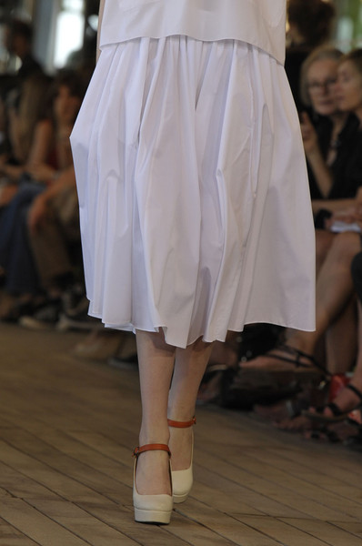 Véronique Leroy at Paris Spring 2012 (Details)