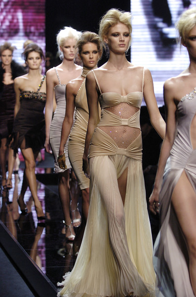 Versace at Milan Fall 2004