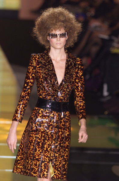 Versace at Couture Spring 2001 [couture spring 2001,fashion model,fashion,fashion show,clothing,runway,haute couture,fur,fashion design,outerwear,event,supermodel,socialite,fashion,haute couture,runway,model,fashion model,versace,fashion show,haute couture,runway,fashion show,fashion,model,versace,supermodel,socialite,livingly]