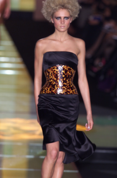 Versace at Couture Spring 2001 [couture spring 2001,fashion model,fashion,clothing,fashion show,dress,runway,haute couture,waist,strapless dress,model,supermodel,socialite,fashion,runway,haute couture,model,fashion model,versace,fashion show,runway,fashion show,fashion,haute couture,model,versace,supermodel,socialite,livingly]