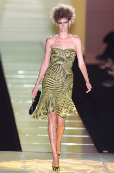 Versace at Couture Spring 2001 [couture spring 2001,fashion model,fashion,fashion show,clothing,dress,runway,cocktail dress,shoulder,haute couture,waist,cocktail dress,socialite,fashion,runway,haute couture,model,fashion model,versace,fashion show,runway,fashion show,fashion,haute couture,model,supermodel,versace,cocktail dress,socialite]