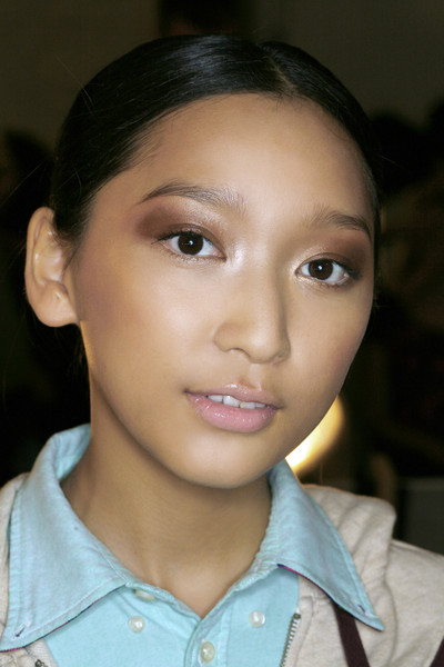 Vivienne Tam at New York Spring 2009 (Details)