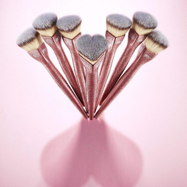 IT Cosmetics Love Beauty Fully™ Love is the Foundation Brush