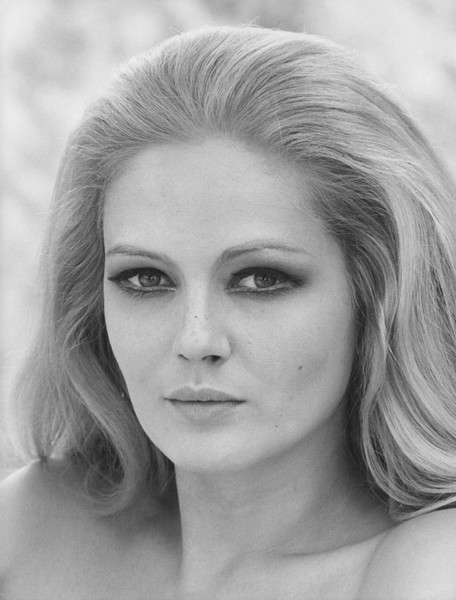 1970 - Iconic Hairstyles From the Year You Were Born - Livingly