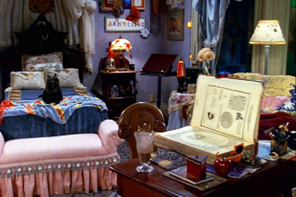 25 Cringe Worthy Home Decor Trends From The 90s Livingly