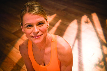 Workout Wednesday: Elisabeth Halfpapp's 'Turned Out V Thigh' Moves