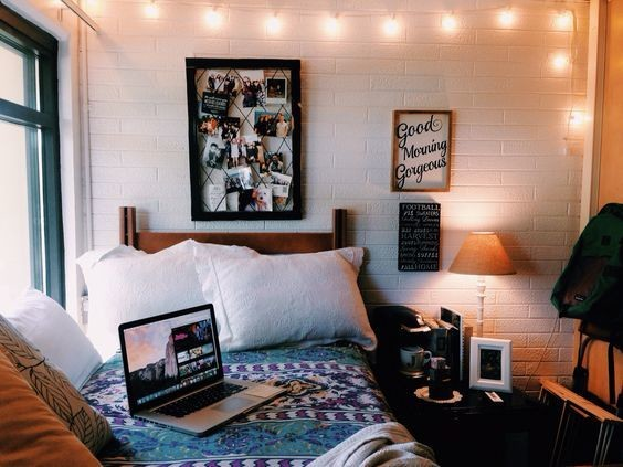 Lamp light diy ideas that 39 ll make your dorm room feel for Dorm room decor quiz