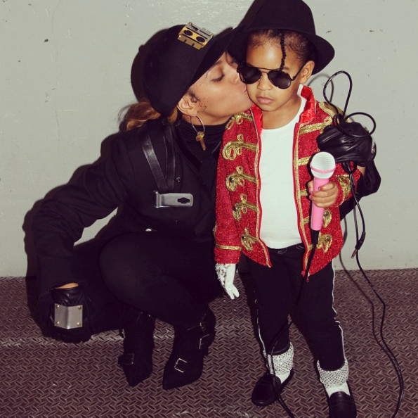Beyoncé & Blue Ivy as Janet and Michael Jackson
