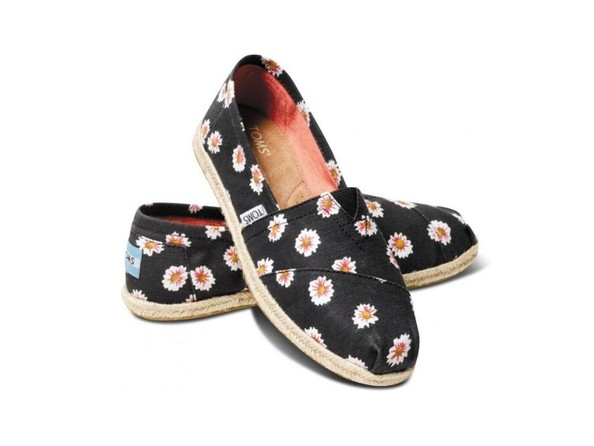 6e5ceeab66a0 Daisy TOMS - Mother s Day Gift Guide 2014  Under  75 - Livingly