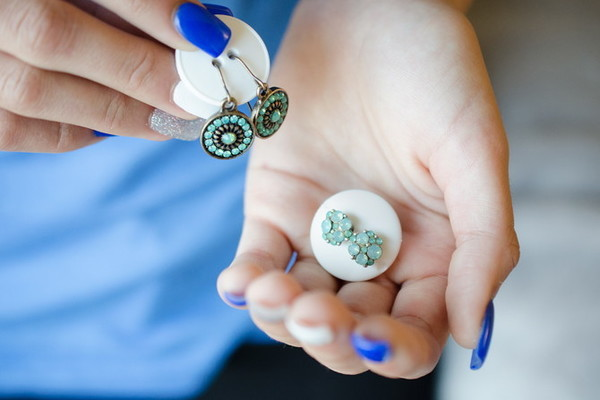 Keep Earrings Together With Buttons