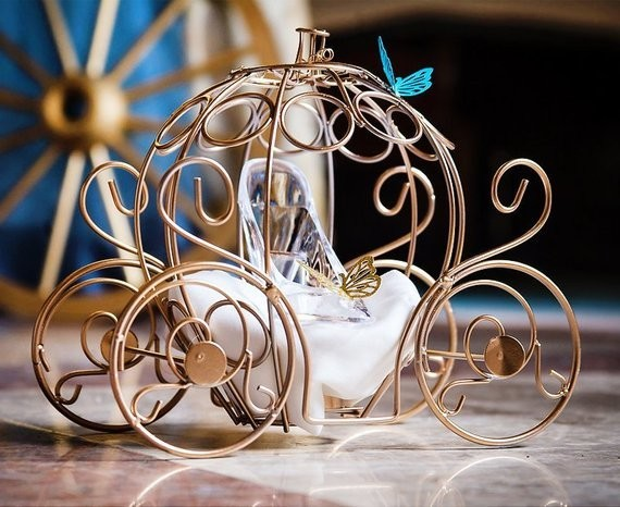 Cinderella S Carriage Centerpiece Fairytale Party Ideas That Will