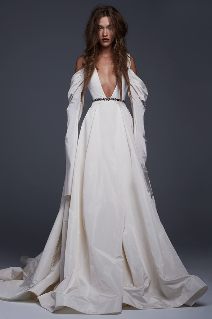 The Most Stylish Wedding Dresses : Bridal fall the most gorgeous wedding gowns at fashion