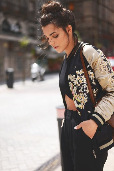 8ee1ab90dbec5 You Need To Try These Spring Layering Trends · Layer a Bomber Jacket Over a Crop  Top