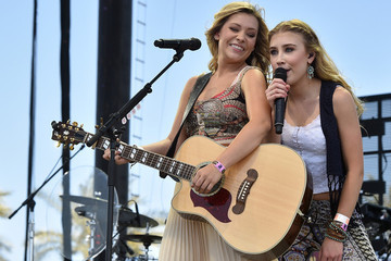 Find Out How Country Stars Maddie & Tae Get Ready for the Red Carpet