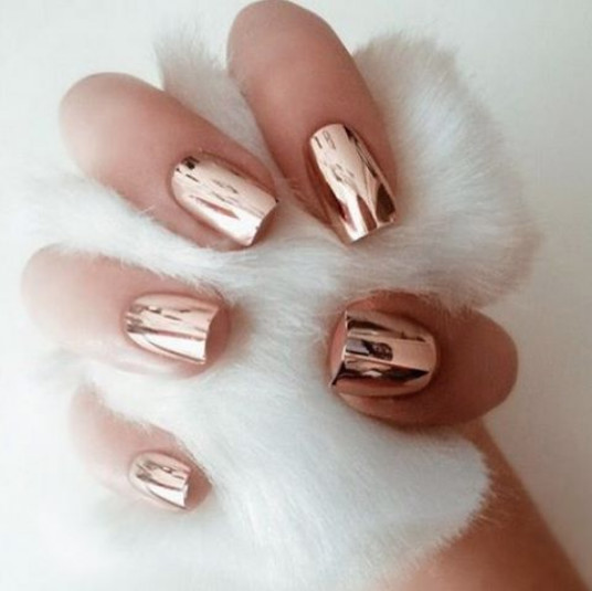 Aries: Chrome Nails